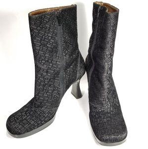 Charles Jourdan CJBIS Suede Boots Women's Size 8.5